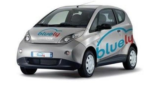 bluely la voiture lectrique en libre service du grand lyon. Black Bedroom Furniture Sets. Home Design Ideas