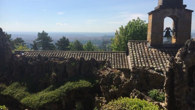 Il faut sauver le jardin de rocailles de saint cyr au mont d 39 or radio scoop la radio de lyon - Les jardins des monts d or ...