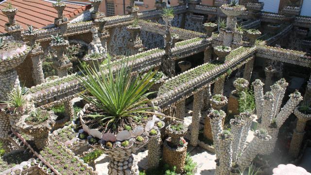 Lyon un tr sor cach enti rement restaur la croix for Jardin rosa mir