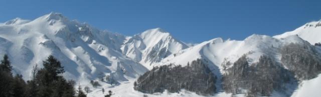 un skieur gravement bless 233 apr 232 s une avalanche au mont dore radio scoop la radio de lyon