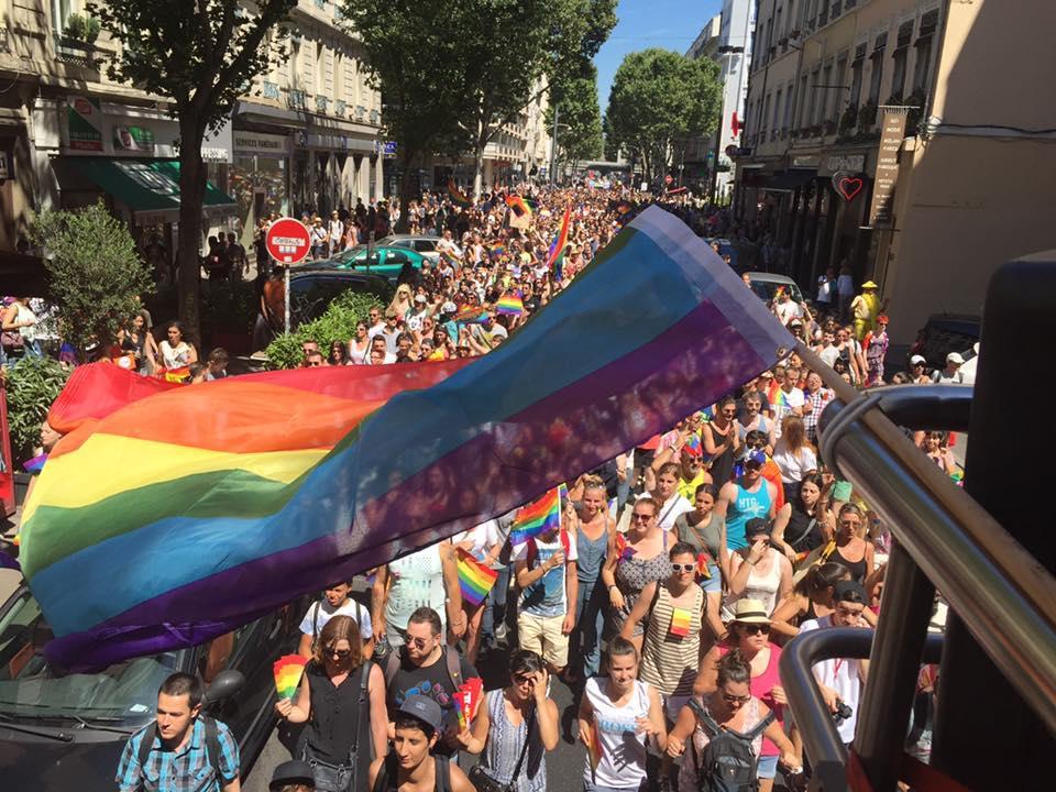 lyon gay rencontre à Clermont-Ferrand
