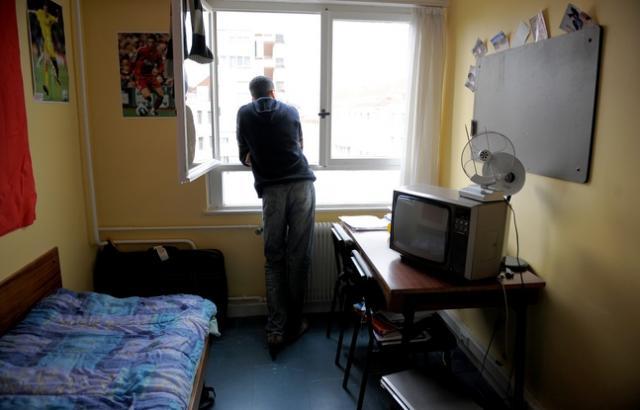 lyon les punaises de lit infestent la cit universitaire mermoz radio scoop la radio de lyon. Black Bedroom Furniture Sets. Home Design Ideas
