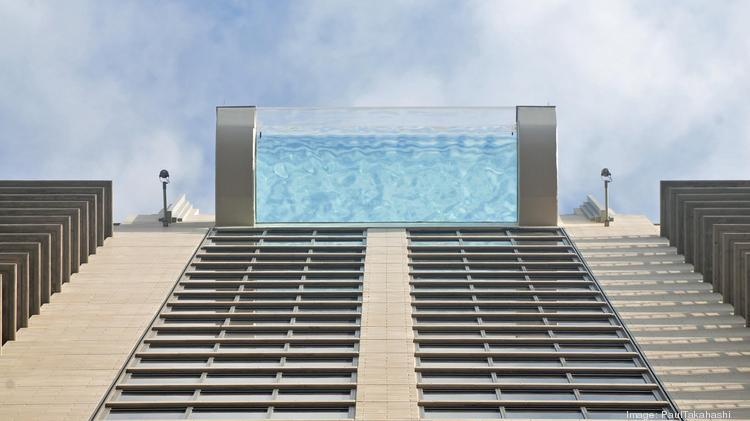 Vid o incroyable une piscine pour nager dans le vide for Piscine pour nager