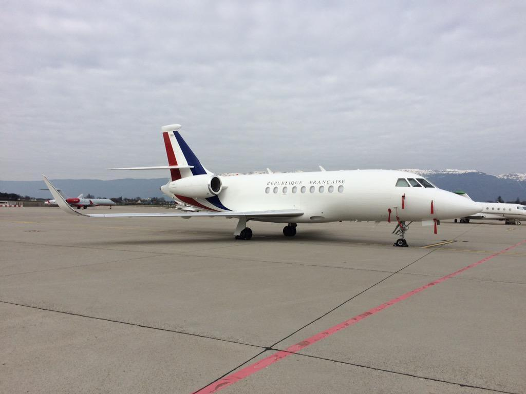 Adieu le tgv le ministre collomb rentre paris en jet for Interieur falcon 2000